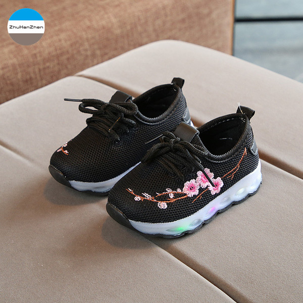 2019 1 To 5 Years Old LED Lights Baby Girls Flowers Glowing Sport Shoes Soft Bottom Casual Shoes Children Sneakers Top Quality