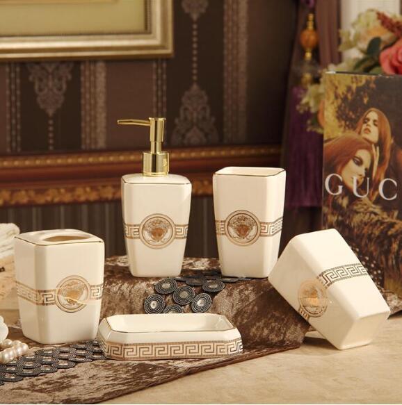 Accesorios de baño de cerámica Elegantes juegos de baño de 5 piezas 1 botella de jabón + 1 jabonera + 1 soporte para cepillo de dientes + 2 tazas de color rosa