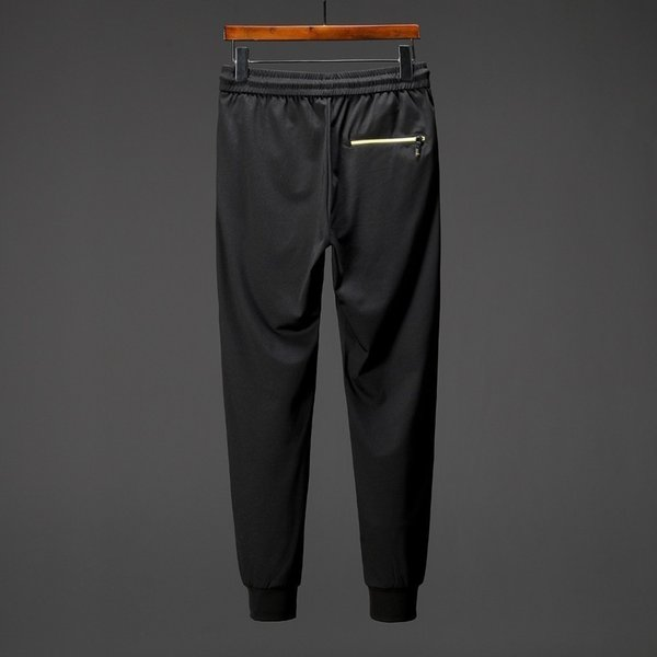 Pantalones vaqueros rotos para hombre Hip Hop para bordado de marca famosa  masculina 9ce39df4cca