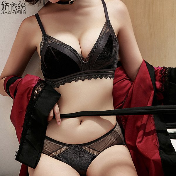 2019 New Seamless Bra Set Sexy Lace Deep V Lingerie High Quality Velvet  Women Underwear Winter 8159a6457