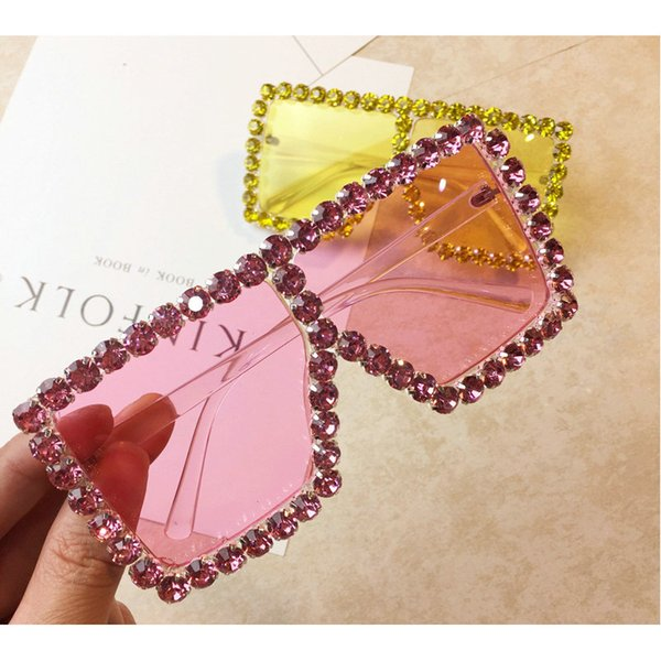 Gafas de sol de lujo del cuadrado del diamante Mujeres MINCL Marca Tamaño de Cristal Gafas de sol de las señoras 2018 Nueva vidrios de sol sombras