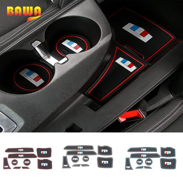 HANGUP Rubber Car Interior Tappetino antiscivolo Porta Slot stuoia del rilievo della tazza Decorazione Per Camaro 17 Up Car Styling