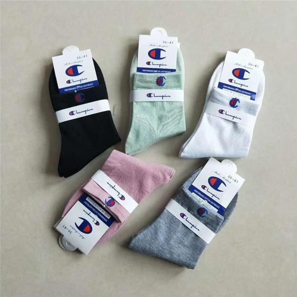 Mulheres homens de luxo designer de meias com tag etiqueta marca tripulação meias campeões nk adi fil meias de nível médio esportes hip hop tênis meias c7102