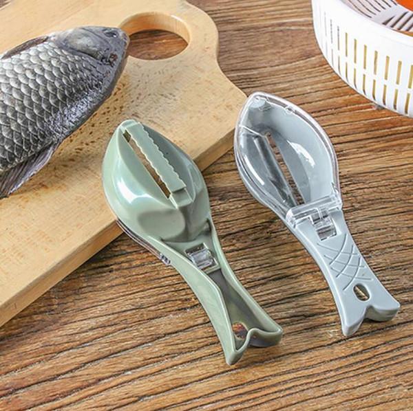 Práctico Removedor de escamas de pescado Desincrustador de plástico Limpieza Raspador Cocina Fruta Vegetal Peeler Útil Accesorios raspador Envío gratis