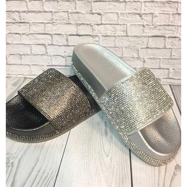 Women Flip Flops Fashion Women Slipper Female Crystal Flat Summer Shoes Rhinestone Thick Bottom Bling Beach