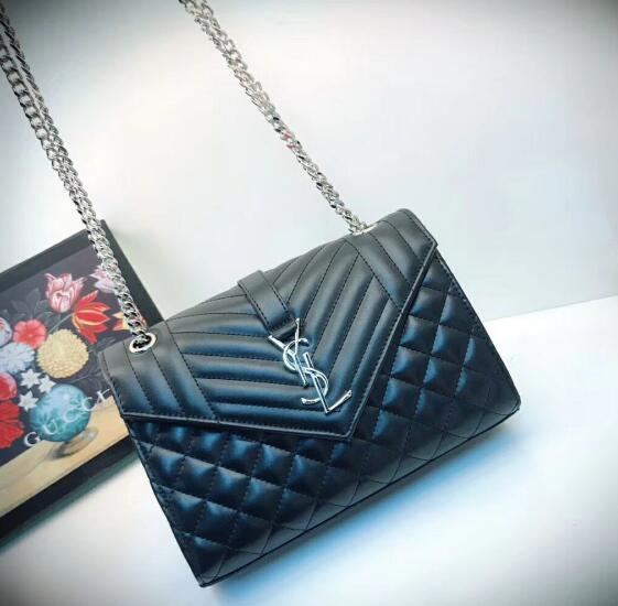 High-quality men and women carry purses, wallets, cards, shoulder bags, fashion bags, briefcases and retro bags6s24