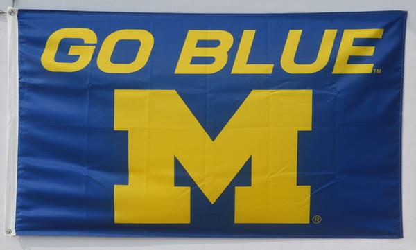 Os Wolverines de Michigan vão bandeira azul da faculdade