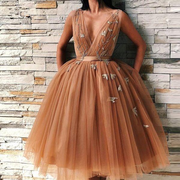 Profundo cuello en V de tul una línea de vestidos de cóctel 2019 apliques de encaje hasta las rodillas hasta la rodilla fiesta de noche vestidos de baile