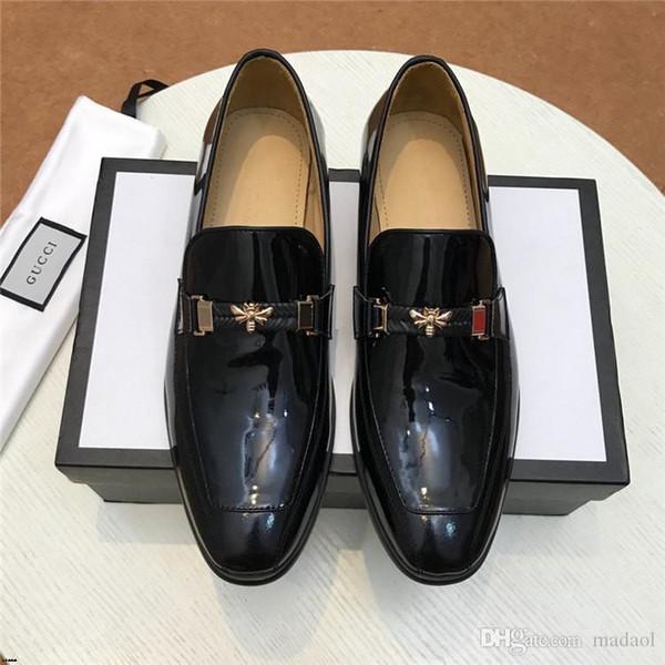 20FW Marka Deri Özlü Erkekler İş Elbise Pointy Siyah Ayakkabı Nefes Örgün Düğün Temel ayakkabı erkekler CQCQ4