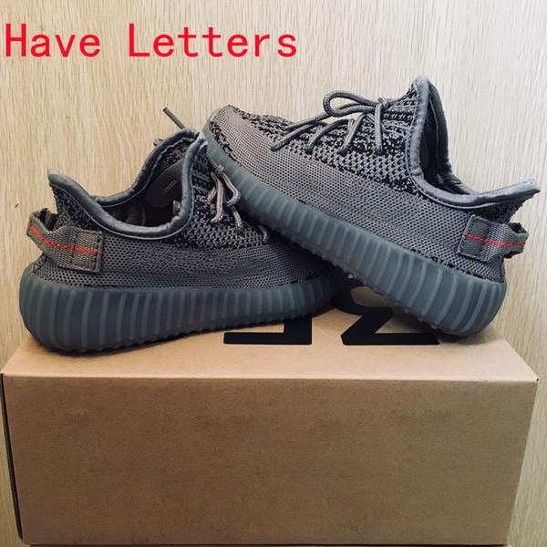 Lettere grigie rosse