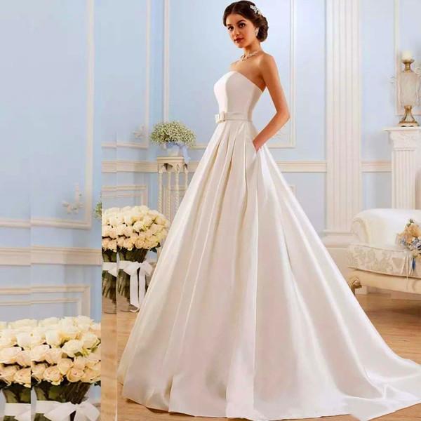 Vintage sans bretelles ligne robes de mariée 2020 avec poches Bow balayage train satin dentelle dans le dos de mariage Robes de mariée
