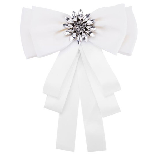 2019 New White Crystal Buckles Brooches Bar Invitation Ribbon Chair Covers Slider Sashes Bows Buckles free shipping