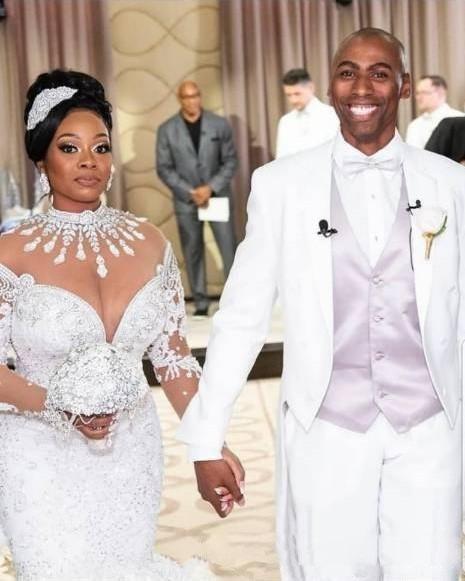 2020 Свадебное платье Русалка с длинными рукавами Кружева Свадебные платья African нигериец с вышивкой бисером Аппликация собор Поезд Плюс Размер