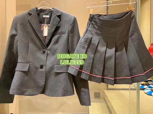 Kadın Pist Lüks Tasarımcı Rahat Iki Parçalı Elbise Düğme Ceket Tops + Pileli Çizgili Miini Etek Kadın Berif Set