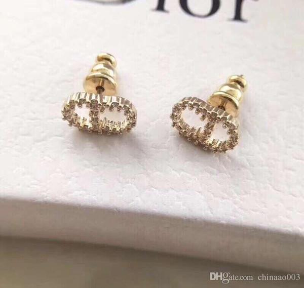 New Women Elegant Round Artificial Pearl Hook Pierced Dangle Earrings Fashion New Jewelry Watches 00121