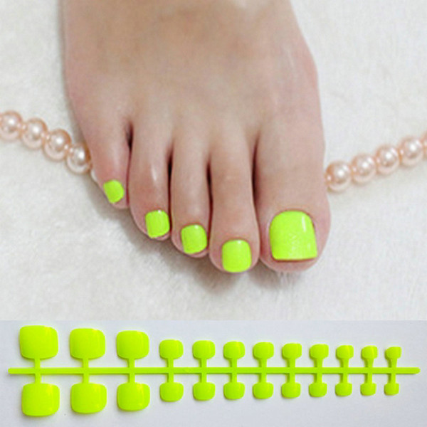 top popular Bright Green Acrylic Fake Toe Nails Square Press On Nails For Girls Articficial Candy Macaron Color False Toenails For Girls 2021