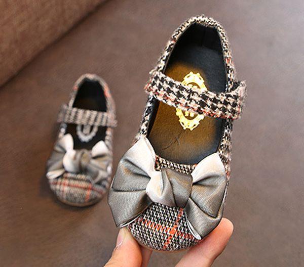 Bebé recién nacido Niño Niño Suela Suave Zapatos Niño antideslizante Zapatilla de deporte Zapatilla Crochet Casual Prewalker Infantil Clásico Primer caminante Nuevo Bebé Niño pequeño