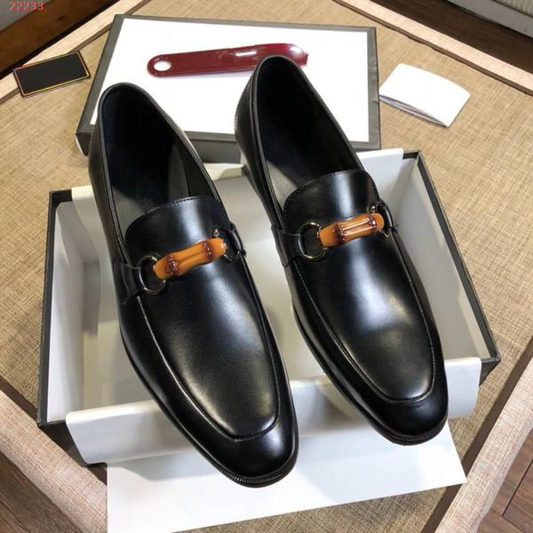 Nuove scarpe casual da uomo in pelle moda business, basse, per aiutare le scarpe eleganti con fibbia in bambù