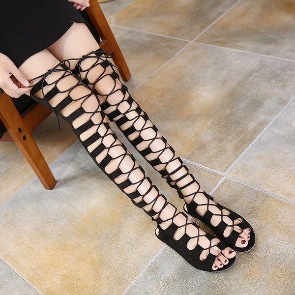 Xingdeng النساء فوق الركبة طويل الجوف مثير شقة فلوك صنادل أحذية سيدة البريدي الدانتيل يصل ضمادة مثير حزب اللباس صندل أحذية