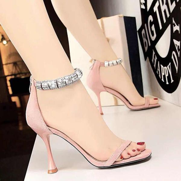 Com Caixa de Melhor Qualidade Chinelos Sandálias Slides Chinelos Sandálias Sapatos de Grife Huaraches Flip Flops Loafers Scuffs Para A Mulher by shoe06 z05