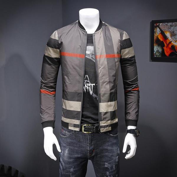 Compre 2019 Nueva Primavera Otoño Chaqueta Casual Male Ropa Escocesa Collar Cremallera Impreso Delgada Para Hombre Diseñador Chaquetas Rompevientos