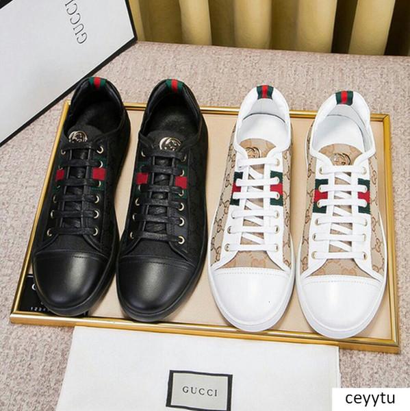 Nouvelle broderie Petite abeille petites chaussures blanches pour les femmes Chaussures confortables en plein air Sneakers Casual Flat Hommes Zapatos Chaussures de marche