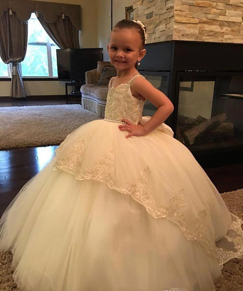 Cheap Lovely Cute Flower Girl Dresses 2019 Big Bow Back Lace Daughter Toddler Pretty Kids Pageant Formal First Holy Communion Gown