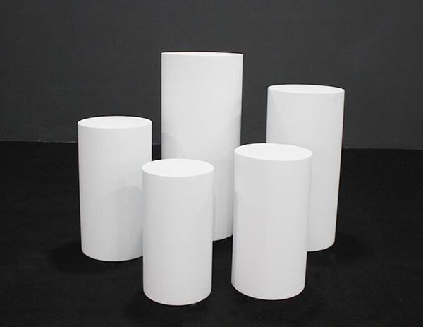 خمس قطع بيضاء