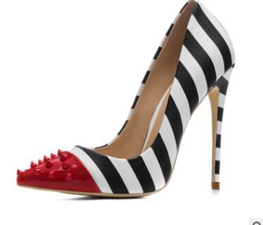 Fashion designer femminile di tendenza scarpe col tacco alto di grandi dimensioni PU rivetto a righe scarpe col tacco alto con suole rosse