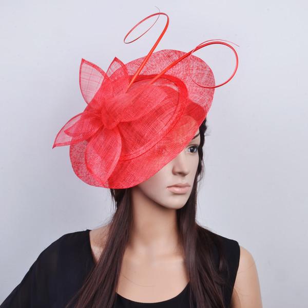 Roter großer Sinamay Fascinator-Hutnetz Fascinator mit langem Straußenfederdorn für kentucky Derby und Hochzeit.