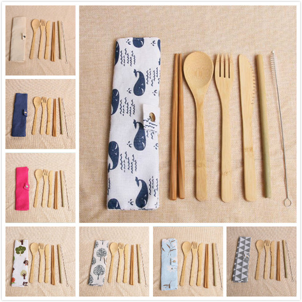 7 piezas / juego de cubiertos de bambú ecológicos cubiertos 20 juegos de vajilla de paja de bambú portátil con bolsa de tela cuchillos tenedor cuchara palillos