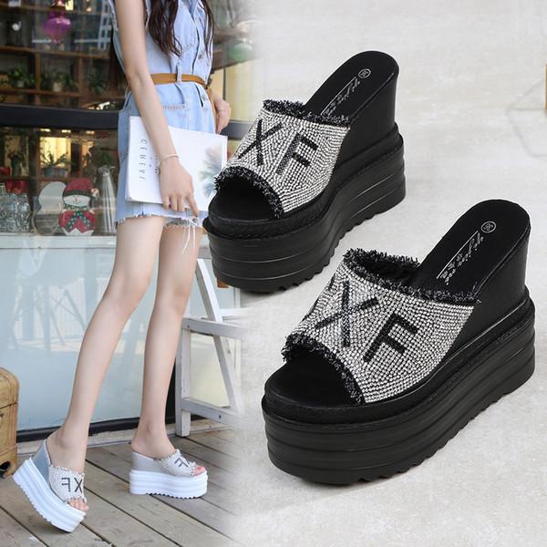 2019 estate nuova usura 13 centimetri pantofole fondo spesso versione coreana del selvaggio aumento strass sandali esterni e pantofole