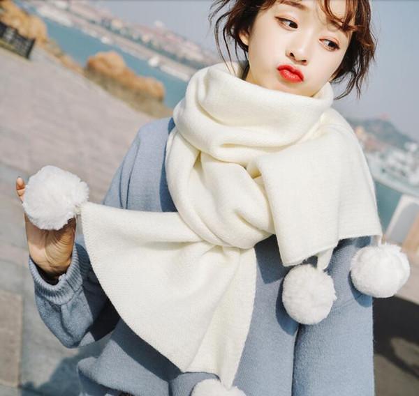 Il 2019 nuova sciarpa è edizione invernale di una ragazza carina di studente di lavoro a maglia sciarpa di stile dolce del burlone