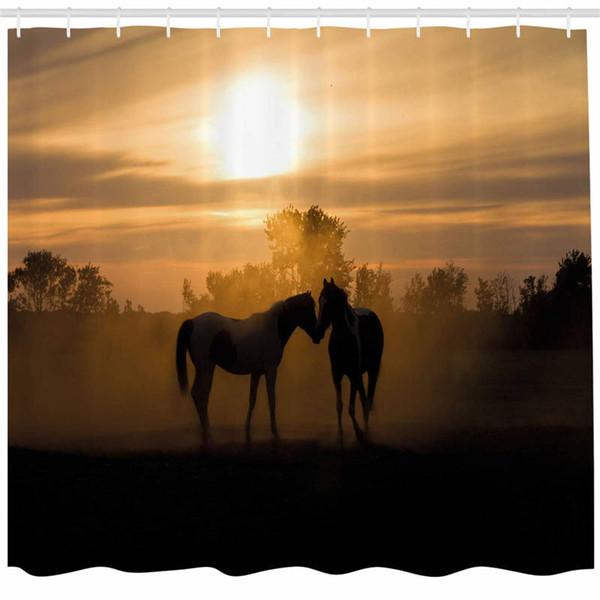 Pferd Dekor Duschvorhang, Silhouette Hengste in Liebe Bauernhaus Landschaft romantischen Sonnenuntergang Wald, Stoff Badezimmer Dekor Set mit Haken