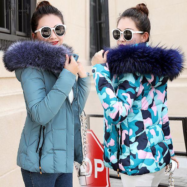 Veste d'hiver Femmes Parkas épais pour manteau de mode vers le bas Veste à capuche avec un capuchon grand manteau de col en fausse fourrure Automne de haute qualité