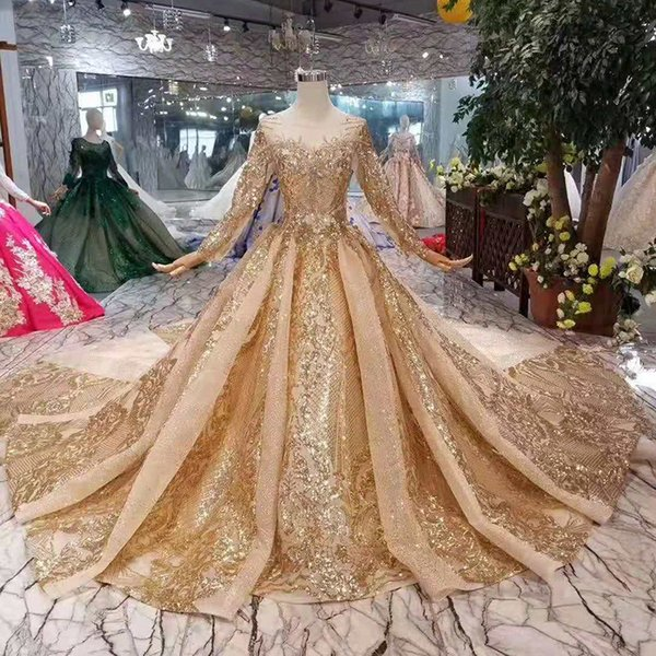 2019 Newest Design Evening Dresses With Golden Sequins Long Sleeves Lace Up Back Party Dress Long Train Luxury Muslim Ladies Dresses Dubai