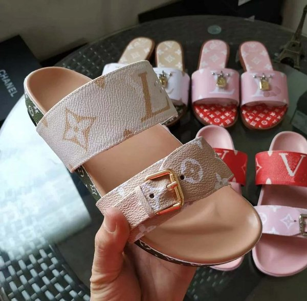 Sapatos de grife Mulheres BOM DIA FLAT MULE Deslize Sandália Moda Senhora Carta de Impressão de Couro Sola De Borracha Chinelo com 35-40 com caixa L7