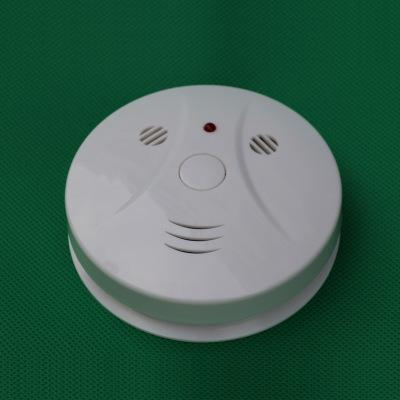 top popular Gas Sensor Combination Carbon Monoxide Poisoning Alarm Detector and Smoke Detector Battery Operated with Photoelectric Sensor Alarm 2021