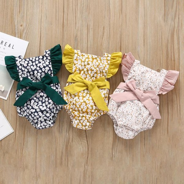 Newborn Baby Floral Rompers 2+ Flying Sleeve Bow Tie Cotton Floral Printed Jumpsuit Single Buckle Kids Designer Onesies Girls Outfits 0-3T