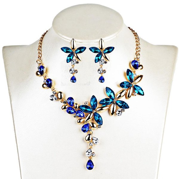 Colliers de colliers pour femmes bijoux couleur cristal cinq feuilles fleurs déclaration strass collier gothique boucle d'oreille ensemble de bijoux