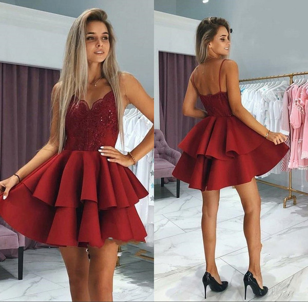 New Dark Red Homecoming Dresses with Spaghetti Straps Tiered Skirts Sequins Lace Appliqued Short Prom Formal Gown BC0002