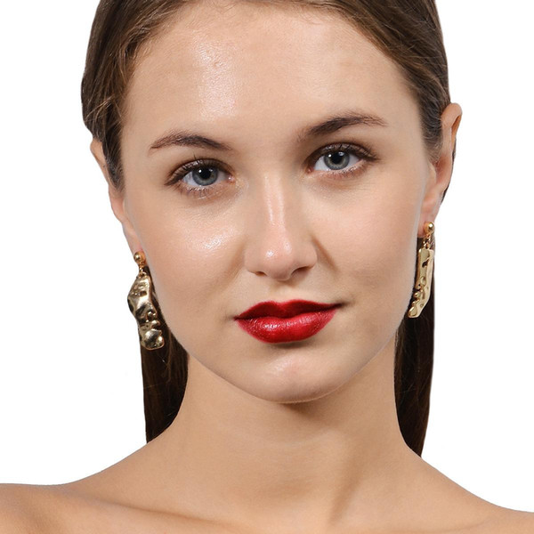 Yaratıcı garip kişilik moda ile aşk küpe hoop tasarımcı kadın küpe kadınlar için Takı setleri marka bayan küpe