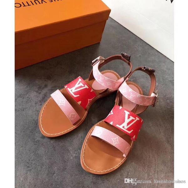 2020 sandales mode de luxe femmes Flats Sandales Les Femmes Chaussons nouvelles dames Sandales d'extérieur Chaussures Casual