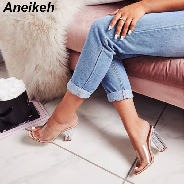 Aneikeh Nuevas Mujeres Sandalias Pvc Jelly Crystal Heel Transparente Mujeres Sexy Clear High Heels Sandalias de Verano Zapatos de Bomba Y19070103
