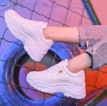2019 scarpe primavera delle nuove donne di Chunky scarpe da ginnastica per le donne vulcanizzare modo dei pattini casuali delle scarpe da tennis della piattaforma papà