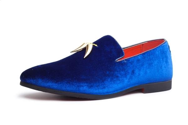 12019 Nuove scarpe da festa per uomo in autunno di primavera Pendente in metallo decorato Decorato Slip On Blu Rosso Nero Colore Moda Uomo Scarpe da guida