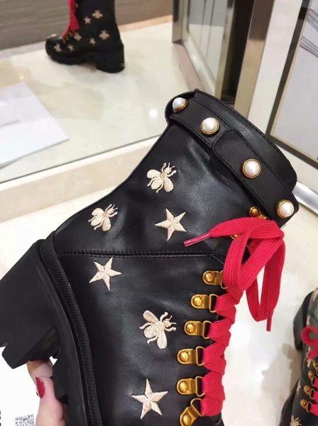 2019 del progettista di lusso scarpe di signore di modo stivali inglesi testa rotonda Martin stivali fibbia della cintura tacco grosso scarpe a testa tonda ricami moda