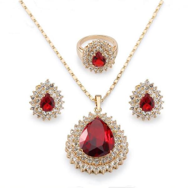 Set di gioielli di cristallo di modo di disegno di trasporto libero Pendenti / anello / orecchini cuore granato placcato oro giallo 18 carati S111 gioielli da sposa raffinati