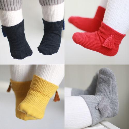 Hot Breathable Warm Casual Solide Quasten Neugeborenes Baby Mädchen Kinder Baumwolle Kurze Socken Säuglingskleinkind Kind Socken 0-4 Jahre