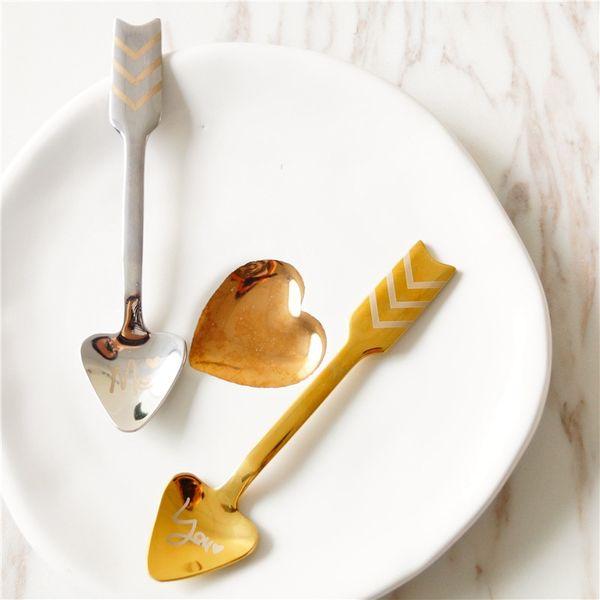 Edelstahl-Amor-Pfeil-Löffel Kreative Designer Liebes-Herz-Kaffee-Nachtisch Obst Löffel Besteck Geschirr Esszimmer Küche Werkzeuge HHA766